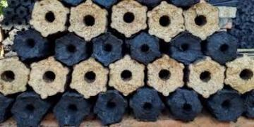 Inexpensive charcoal briquettes Pini Kay