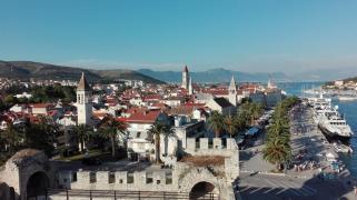 Лучший отдых в Хорватии. Трогир. Отель у моря