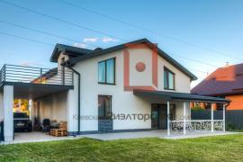 Осещина. Новый дом с дизайнерским ремонтом у воды