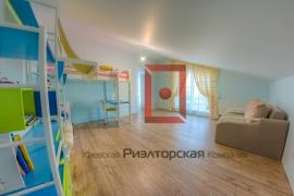 Oseshchyna. New building with designer renovation near the water