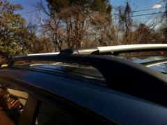 The jumpers on the NEW aerodynamic roof rails. CLOSEOUT